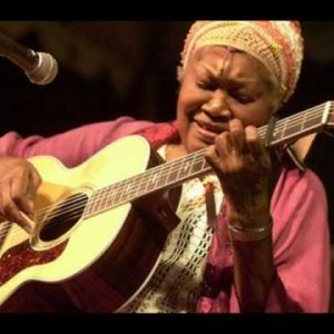 Odetta – Pastures Of Plenty [Woody Guthrie]